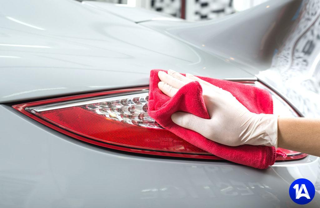 professionelle Autoaufbereitung und Fahrzeugpflege